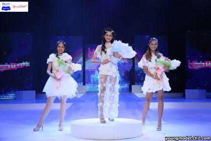 """""""น้องแพรไหม- ไมลิน อังสท์"""" สาวน้อยหน้าหวาน อายุ 15 ปี คว้าตำแหน่ง Young Model 2016 รับทุนการศึกษา 150,000 บาท"""